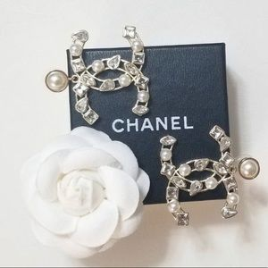 CHANEL Pearl & Crystal CC Earrings